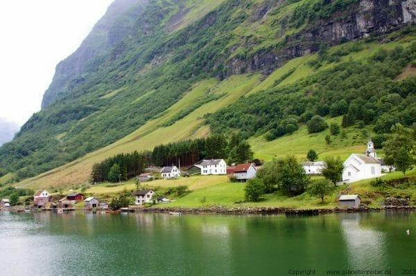 Naeroy Fjord in Norwegen - planetenreiter.de