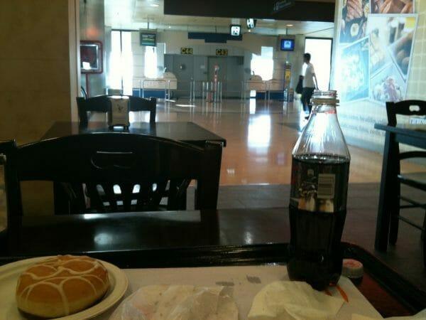 Flughafen Madrid Barajas - Frühstück für Traveller