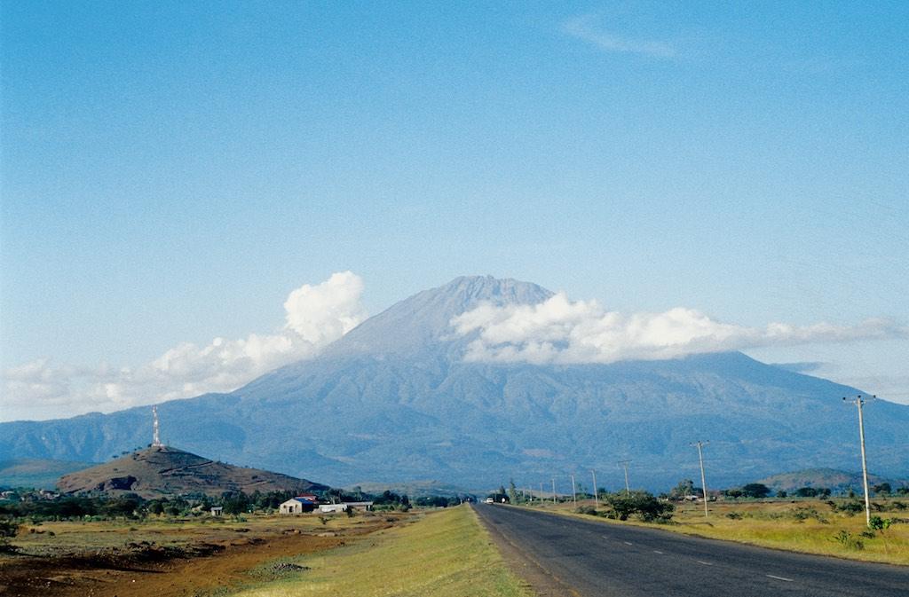 Mount Meru Tansania: Panorama des vierthöchsten Berges Afrikas