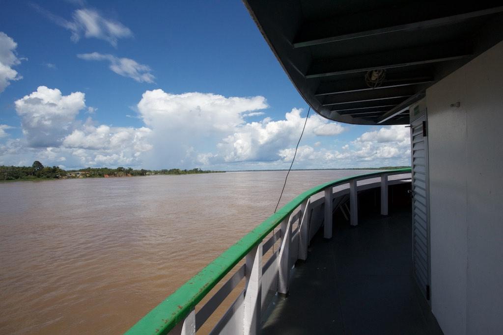 Auf dem Amazonas Boot