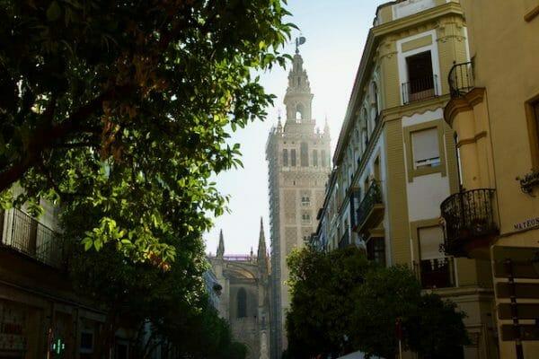 Altstadt Sevilla mit Giralda
