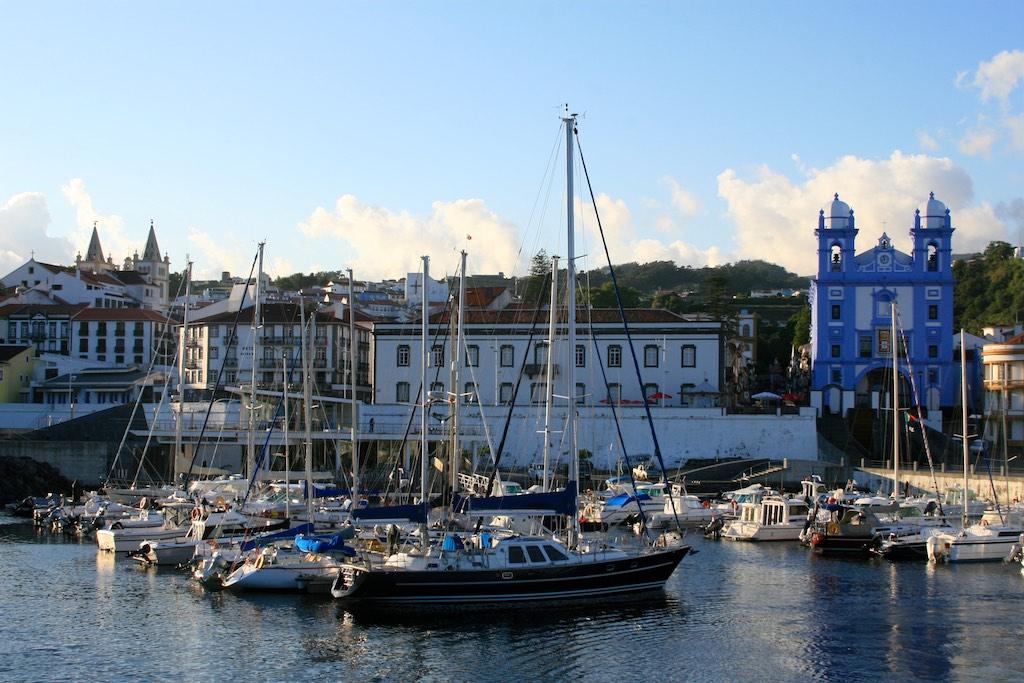 Azoren Reisetipps: Altstadt und Hafen von Angra do Heroismo, Terceira