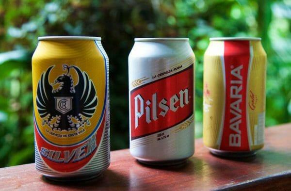 Drei Dosenbiere Costa Ricas: Imperial, Pilsen, Bavaria
