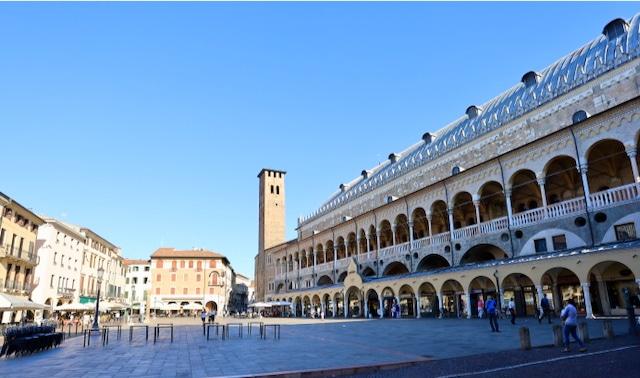 Roadtrip Italien: Piazza delle Erbe zu Padua