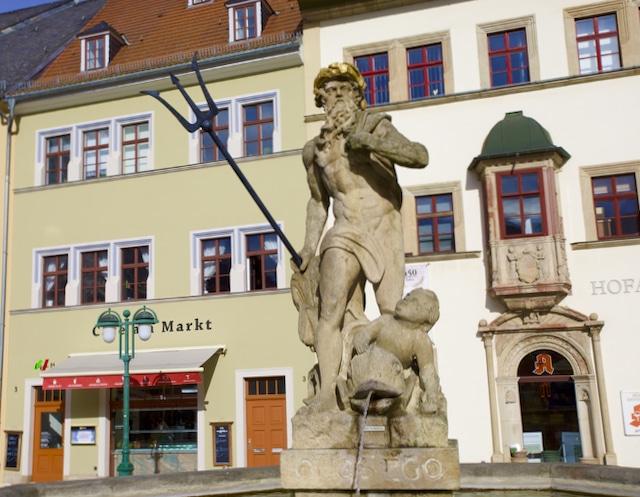 Weimar, Marktplatz, in: Schönste deutsche Altstädte